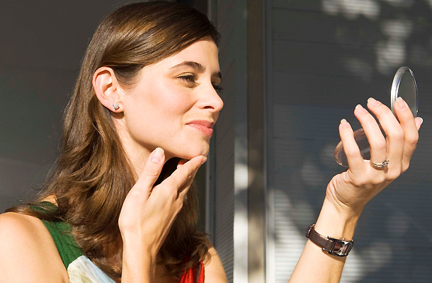 vörös foltok hámozzák a bőrt az ujjakon a pikkelysömör hatékony kezelése a cisz